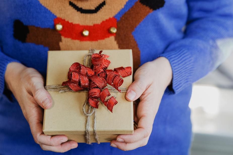 15 Unique Gift Ideas For Employees This Christmas
