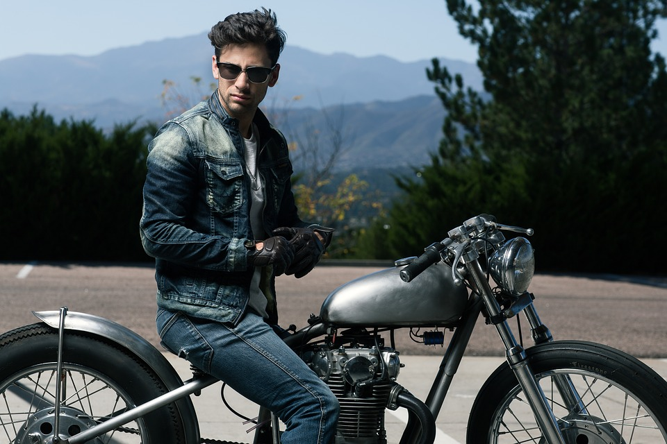 Awesome Gift ideas for Motorcycle & Car Lovers
